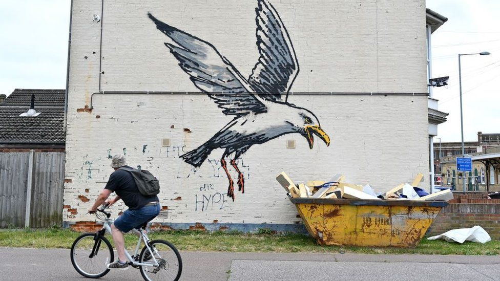 Has Banksy Been To A Seaside Spraycation? post thumbnail image